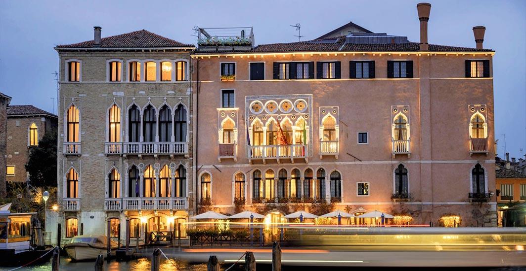 Ombrellone Professional Gaggio, Canal Grande, Palazzo Morosini Sagredo, Ca Sagredo Hotel , Venedig, Venezia, Venice, Italia, Europe,